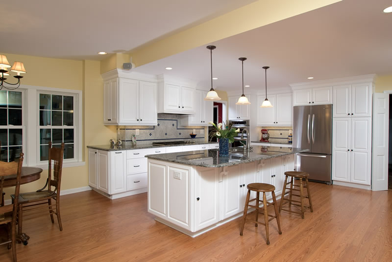 Dunwoody - Timeless White Kitchen