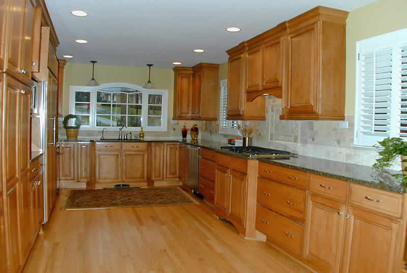 Dunwoody - Maple Glaze kitchen renovation